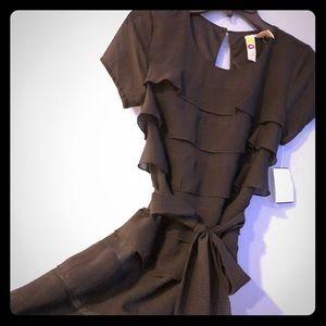 🆕 Dress Layered Ruffles Black Tie Belt Mimi Chica
